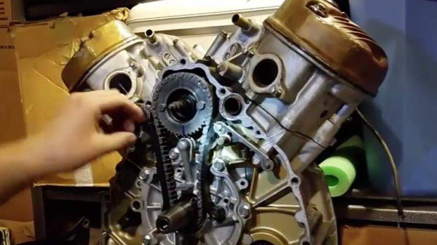 Udskiftning af knastkæde på Honda CX
